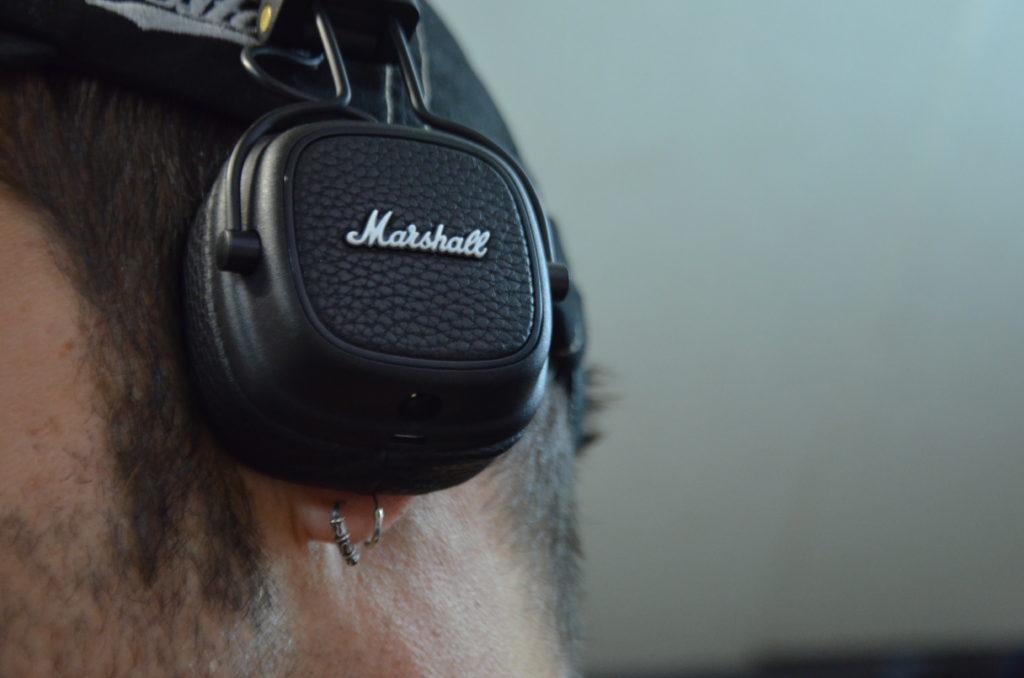Der Sitz des On Ear Kopfhörers ist in jeder Situation absolut top!